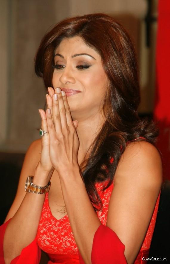 Beautiful Shilpa Shetty in Red