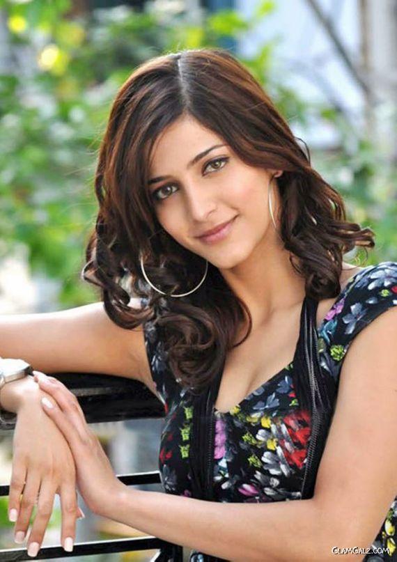 Pretty Shruti Hassan