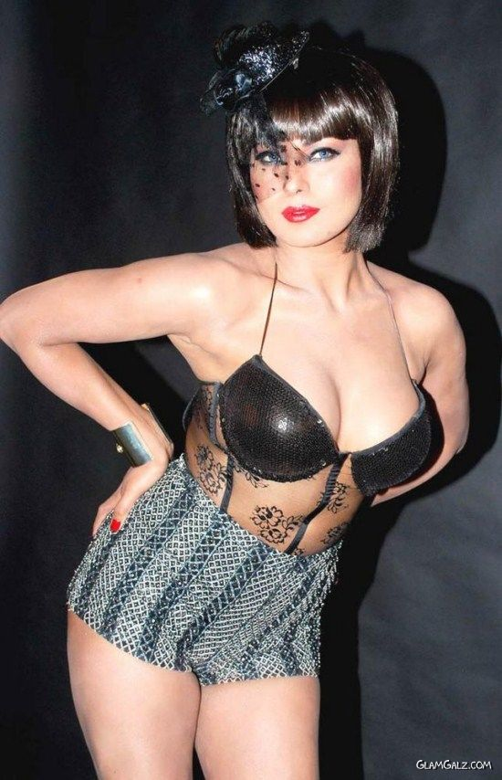 Veena Malik Exclusive Photoshoot For Supermodel Movie