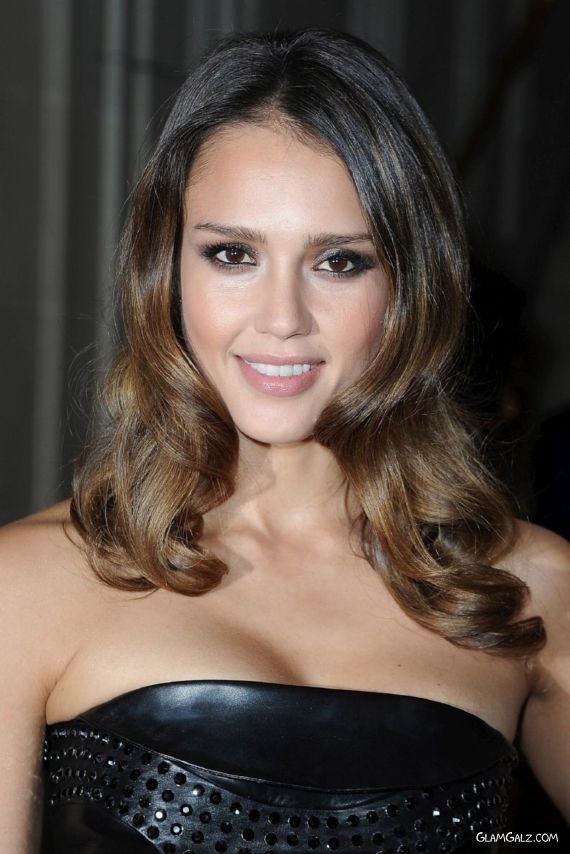 Gorgeous Jessica Alba At A Fashion Show