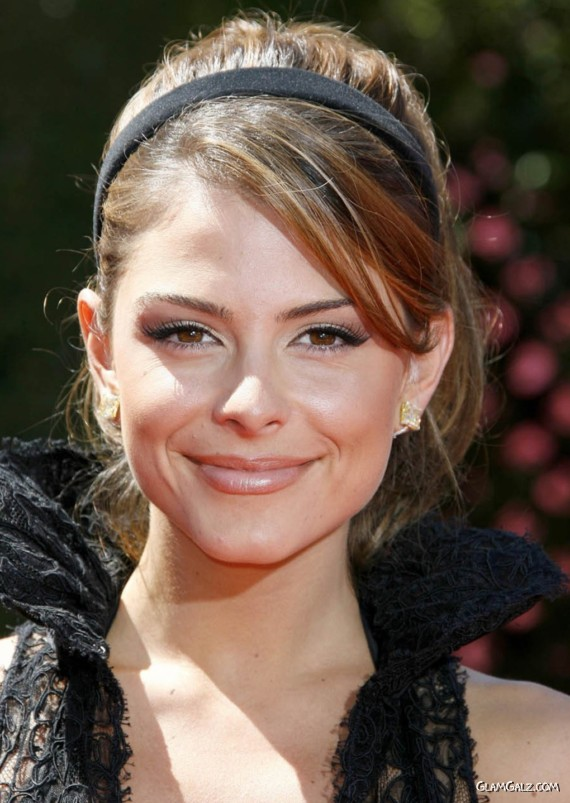 Pretty Maria Menounos at EMMY Awards