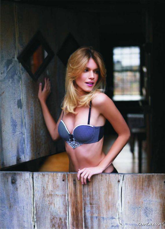 Glamour Model Florencia Salvioni