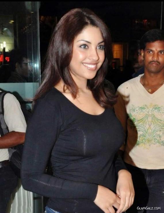 Glamorous Miss India Richa Gangopadhyay