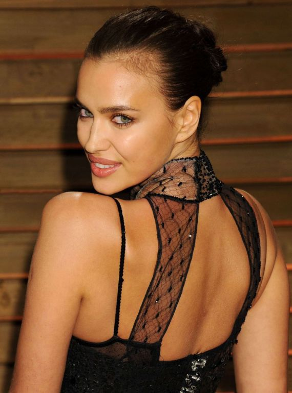 Beautiful Irina Shayk In Black Dress At Oscars Party