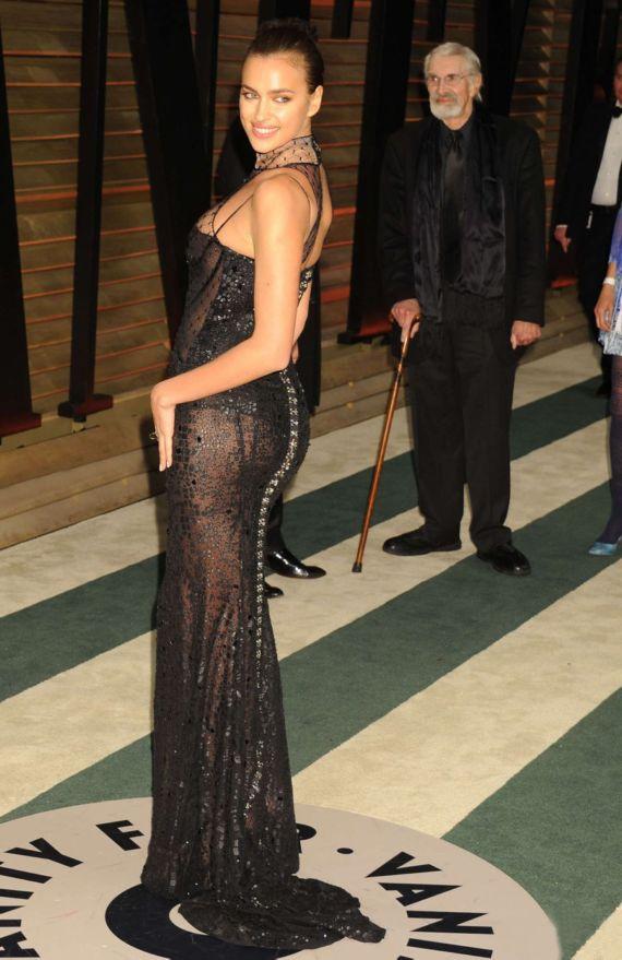 Beautiful Irina Shayk In Black Dress At Oscars Party