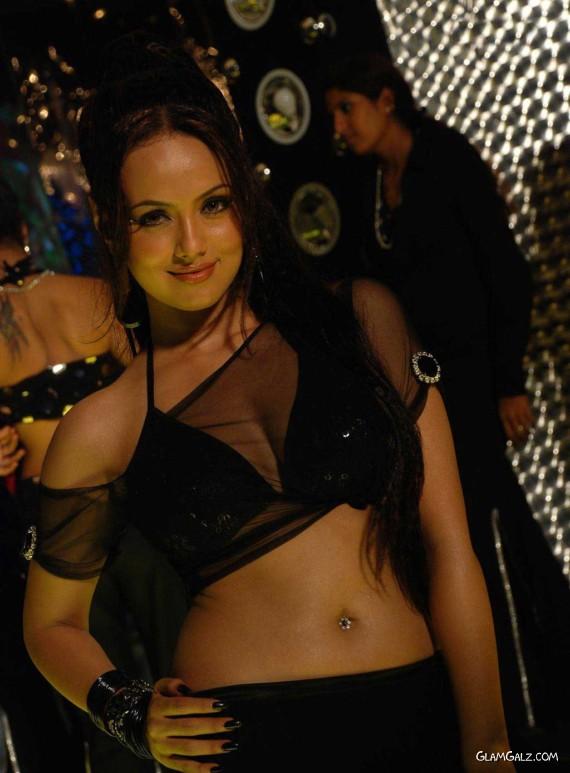 Desi Bollywood Item Sana Khan