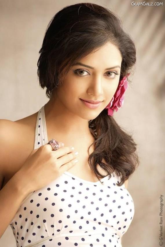 Indian Beauty Mamta Monhandas