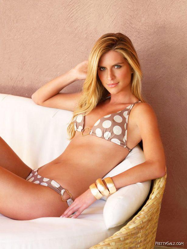 Fabiane Nunes Bikini Photoshoot