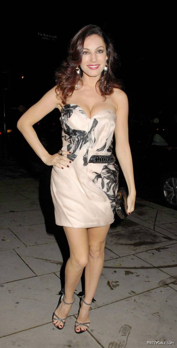 Kelly Brook Candids in London